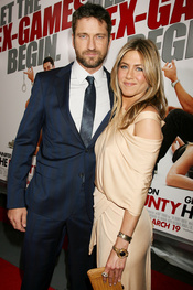 Aniston y Butler en la premiere de 'Exposados' de Nueva York