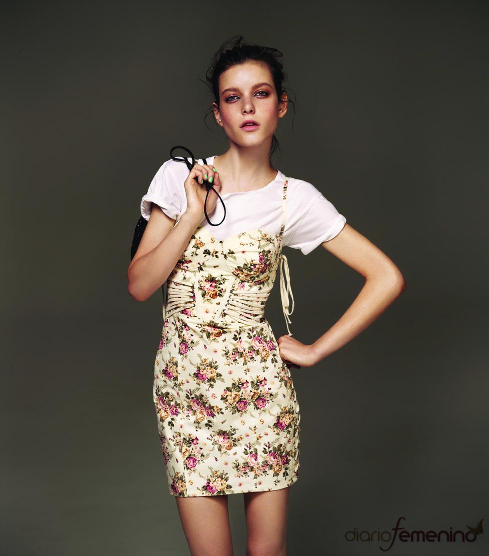 Vestido con flores de Topshop