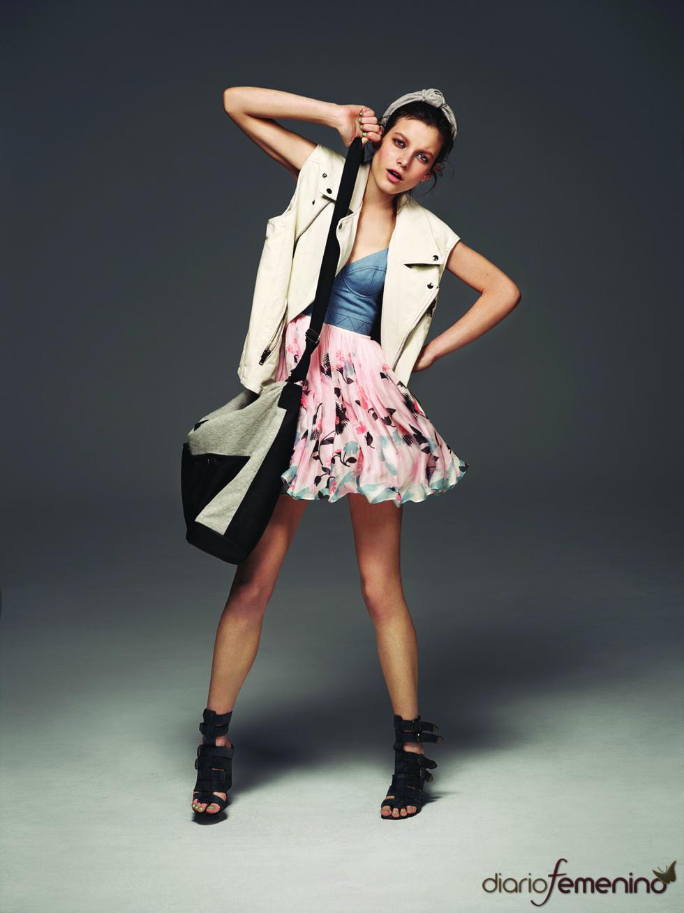 Minifalda y chaleco de Topshop