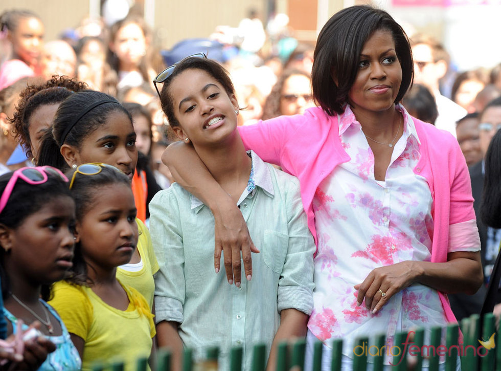 Michelle Obama con sus hijas Malia y Natasha
