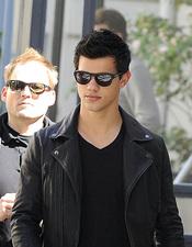 Taylor Lautner por las calles de Madrid