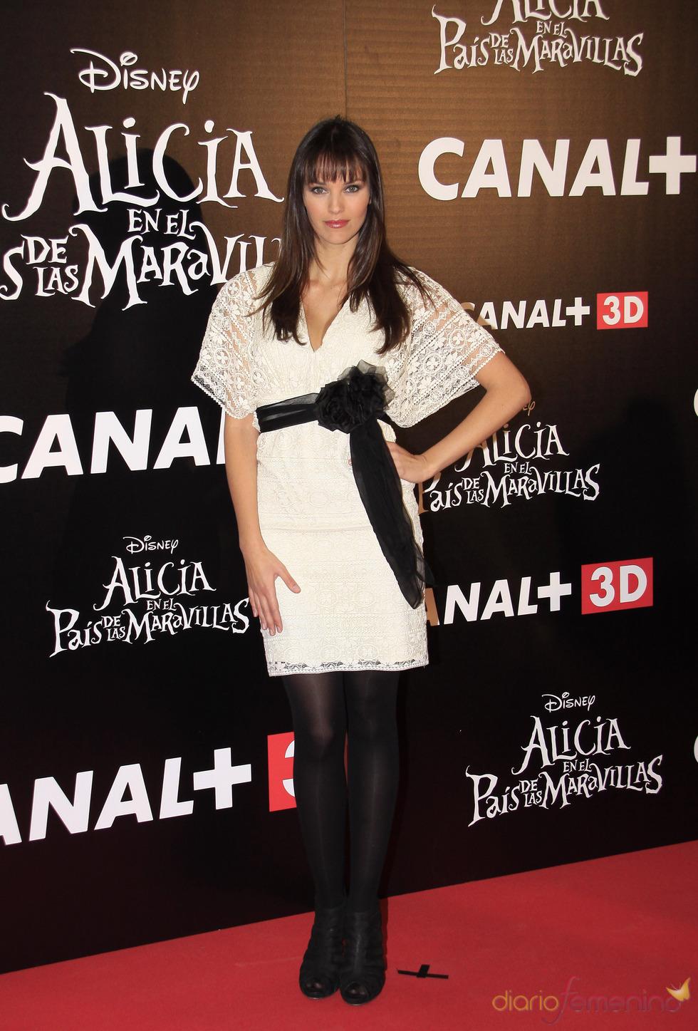 Helen Lindes en el estreno de 'Alicia en el país de las maravillas'