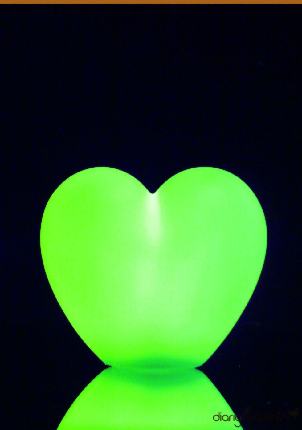 Lámpara de corazón para una fiesta de los 80