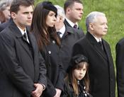 Familiares en el funeral de Lech Kaczynski