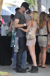 Alexander Skarsgard y Kate Bosworth en Coachella