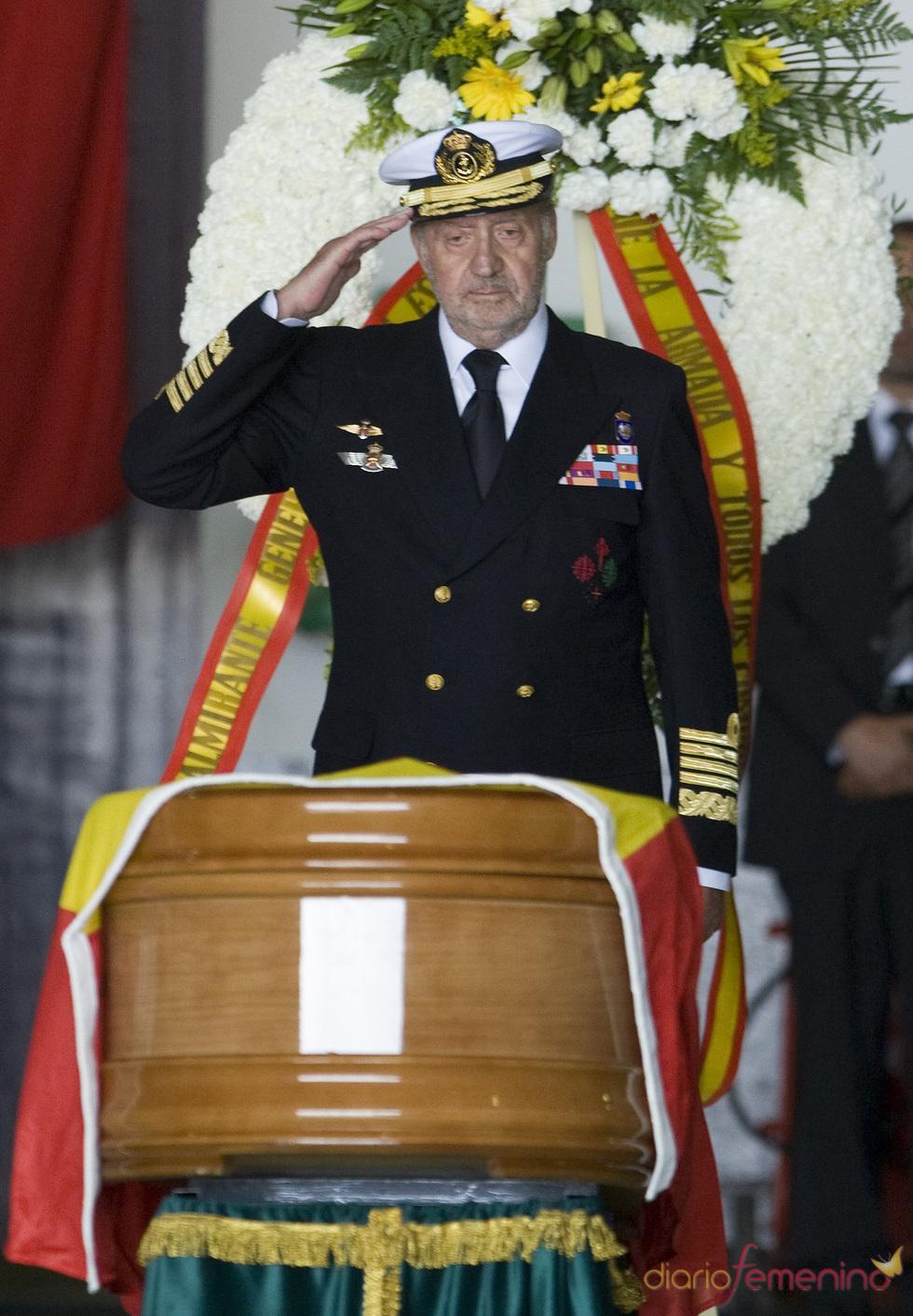 Juan Carlos I preside funerales por soldados muertos en Haití
