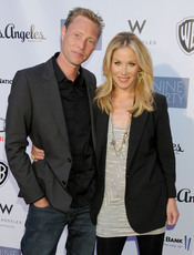 Christina Applegate y Martyn Lenoble
