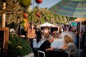 Moda y la cultura hippie en el mercadillo de Las Dalias
