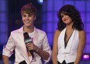 Justin Bieber y Selena Gomez, felices en los MuchMusic Video Awards 2011