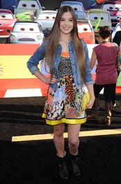 Hailee Steinfeld en la premiere de 'Cars 2' en Los Ángeles