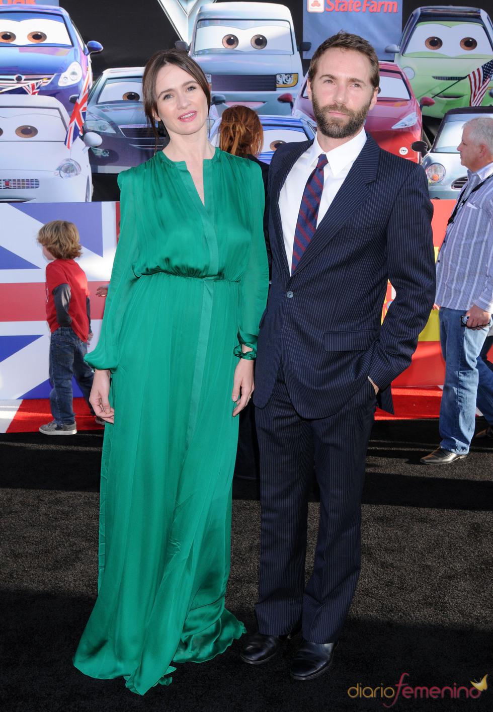 Emily Mortimer y Alessandro Nivola en la premiere de 'Cars 2' en Los Ángeles