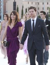 Xabi Alonso y Nagore Aramburu en la boda de Raúl Albiol