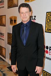John Noble, de 'Fringe', en los Critics' Choice Television Awards de 2011
