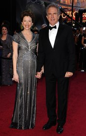 Warren Beatty y Annette Bening en los Oscar 2011