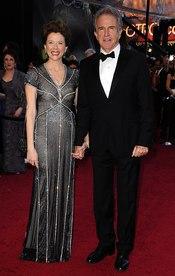 Warren Beatty y Annette Bening en los Oscar 2011