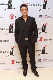 Alejandro Sanz en los premios Save the children 2011