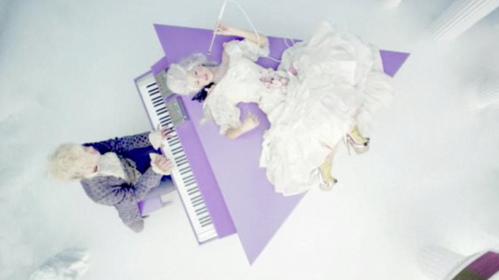 Selena Gomez, de Maria Antonieta en el videclip 'Love You Like a Love Song'