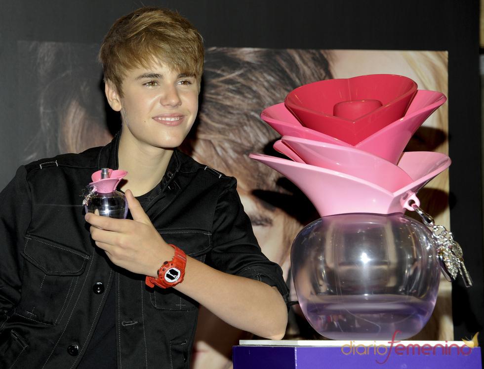 Justin Bieber presenta su perfume 'Someday' en Macy's en Nueva York