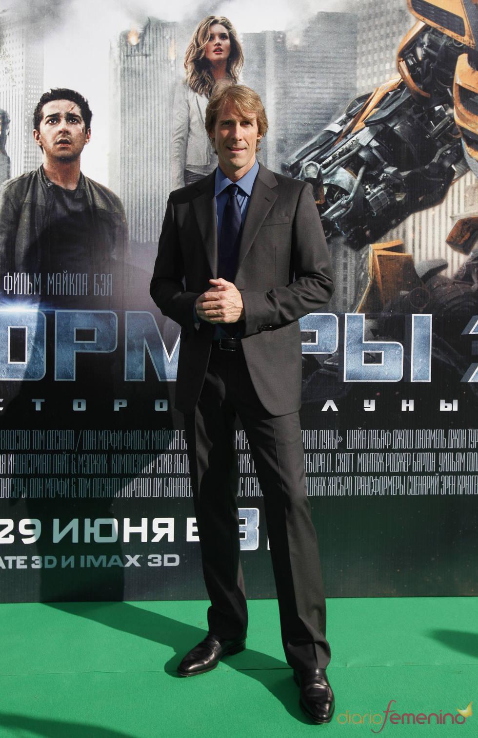 Michael Bay en el photocall de la premier de 'Transformers 3' en Moscú
