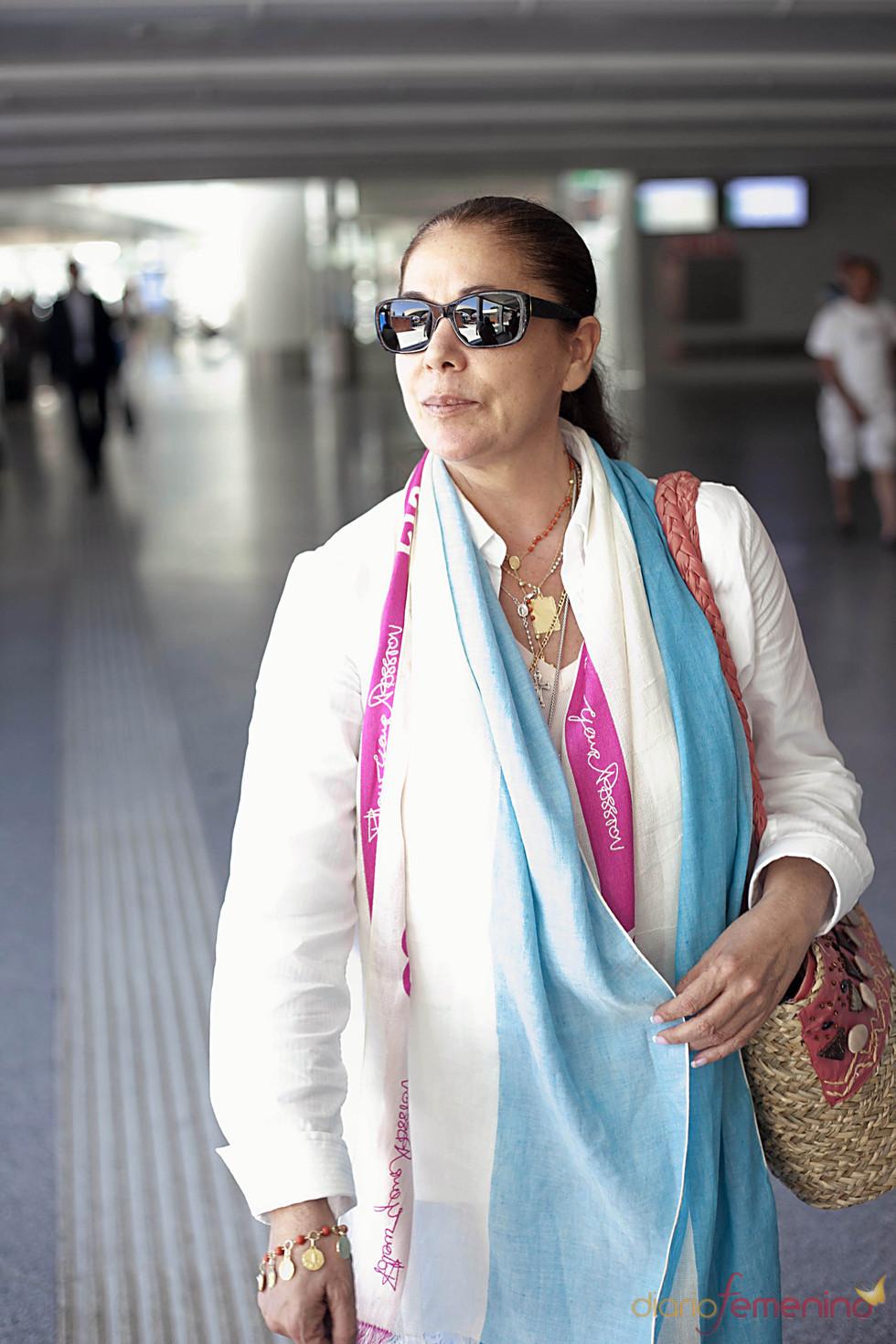 Isabel Pantoja en la estación de Atocha de Madrid en junio de 2011
