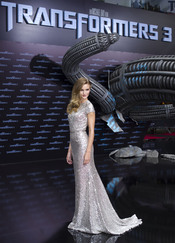 Rosie Huntington presenta 'Transformers 3' en Berlín