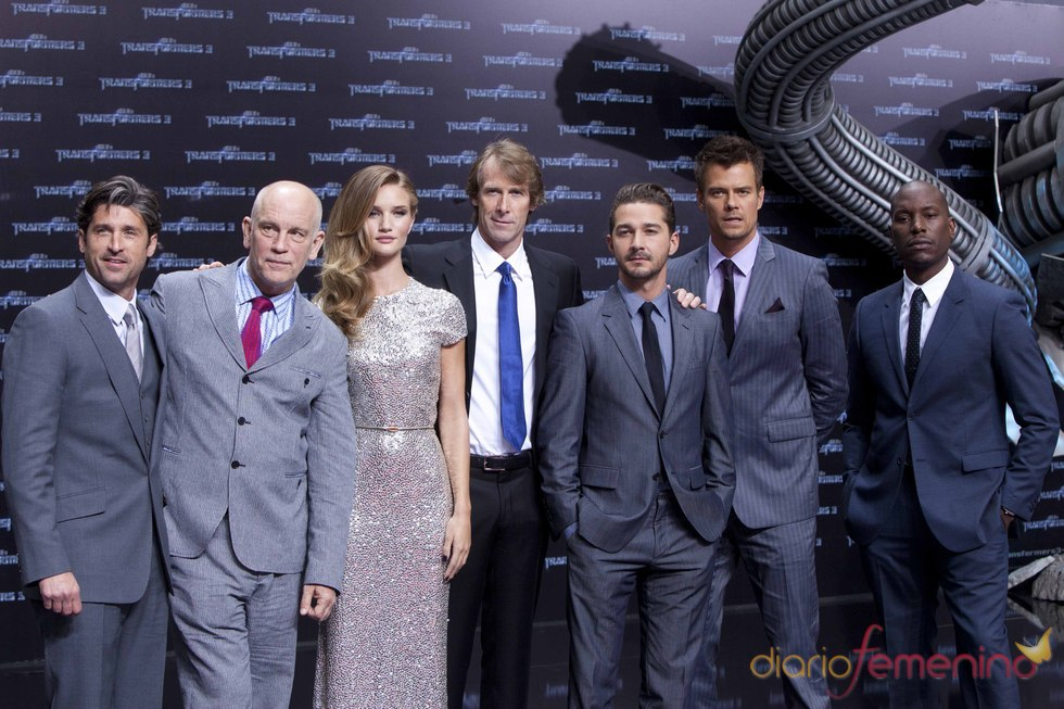 Los actores de 'Transformers 3' presentan la película en Berlín