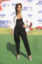 Alicia Keys a su llegada a los premios BET Awards 2011