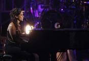 Alicia Keys durante su actuación en los premios BET Awards 2011
