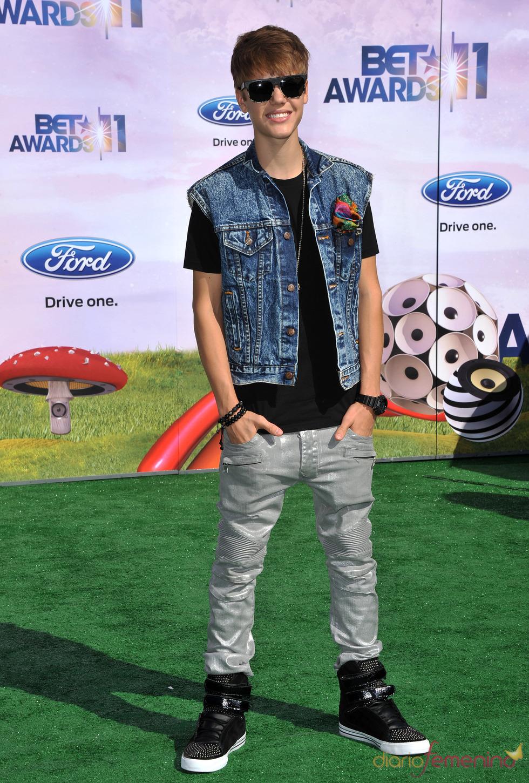 Justin Bieber a su llegada a los premios BET Awards 2011