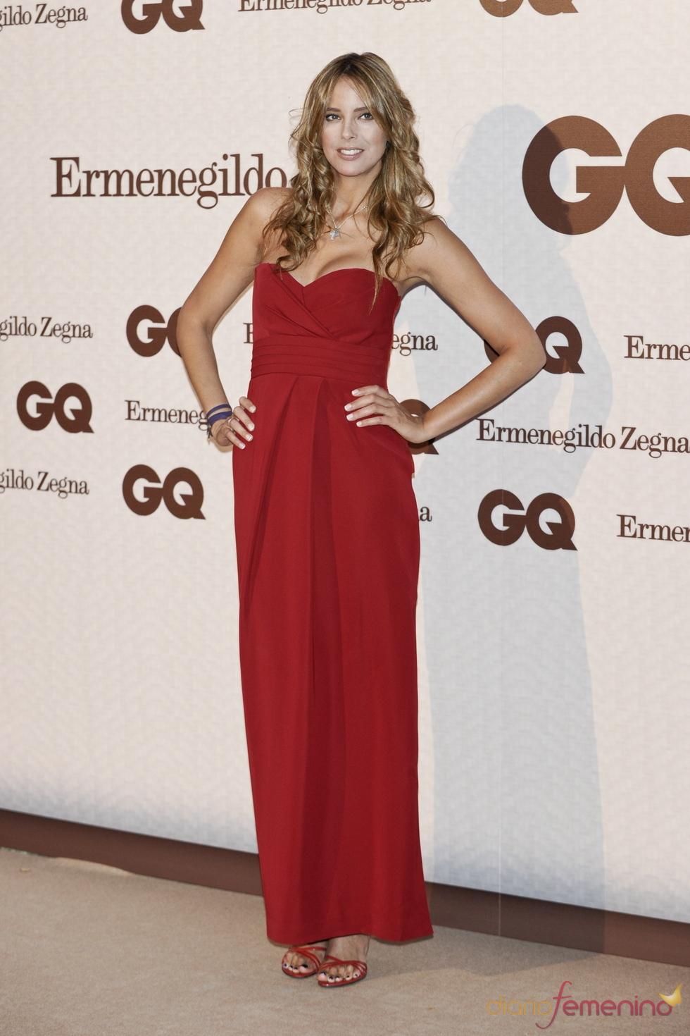 Estefanía Luyk asiste a los Premios GQ de los Hombres más Elegantes 2011