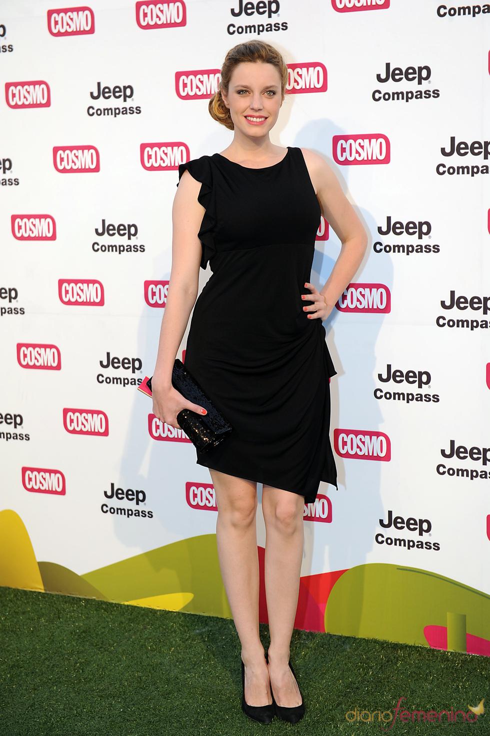 Carolina Bang en los Premios Pétalo de Cosmopólitan 2011