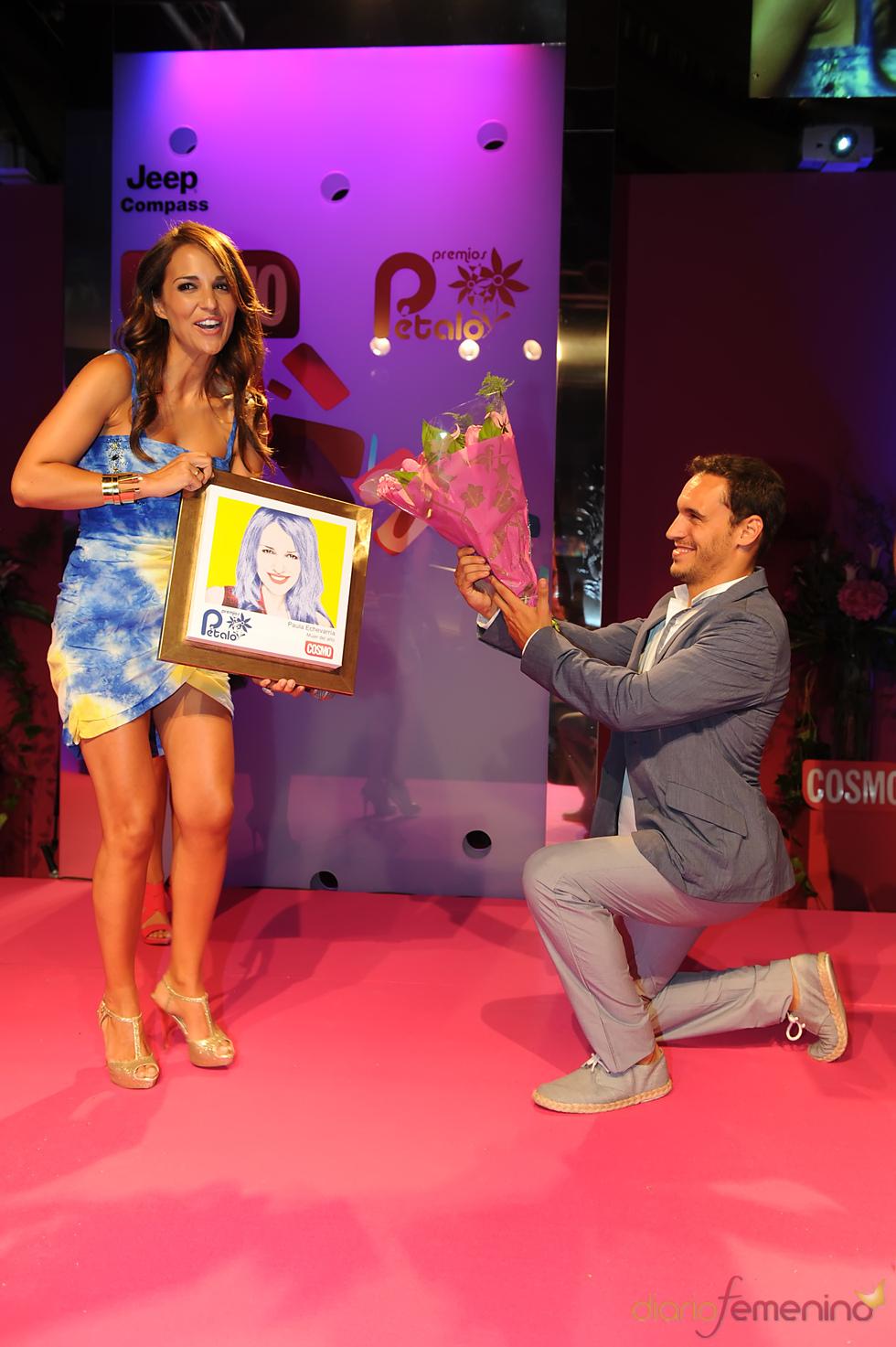 Paula Echavarría recoge su Premio Pétalo de Cosmopolitan 2011