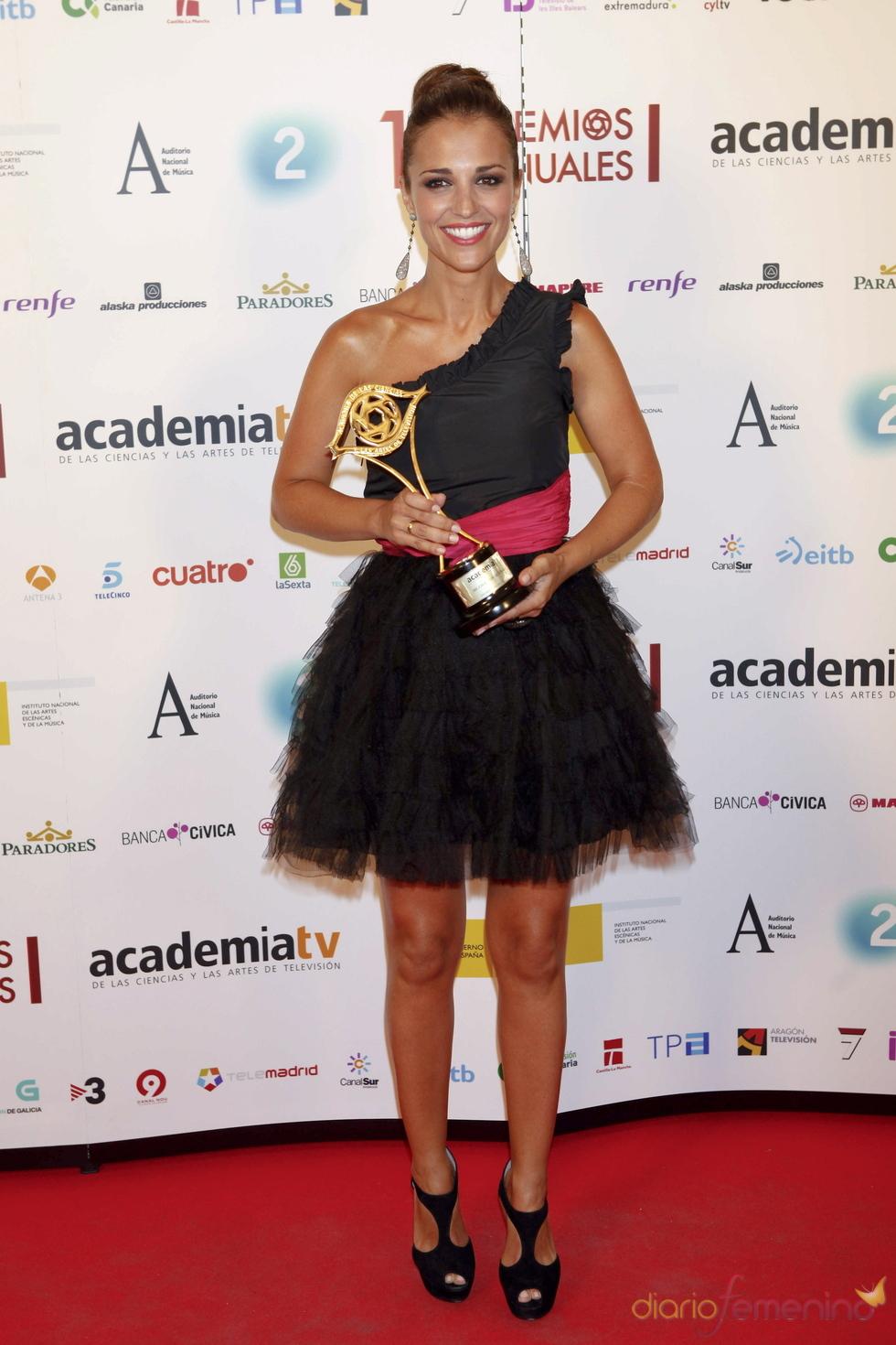 Paula Echevarría recoge el Premio de la Academia de la TV de Emilio Gutiérrez
