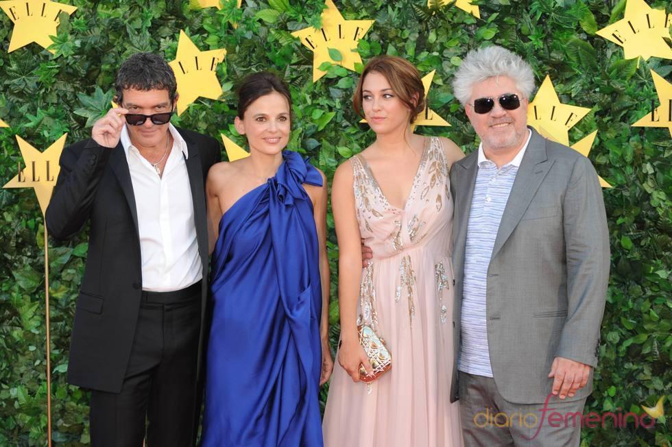 Pedro Almodóvar, Antonio Banderas, Blanca Suárez y Elena Anaya en la Fiesta 'Elle'
