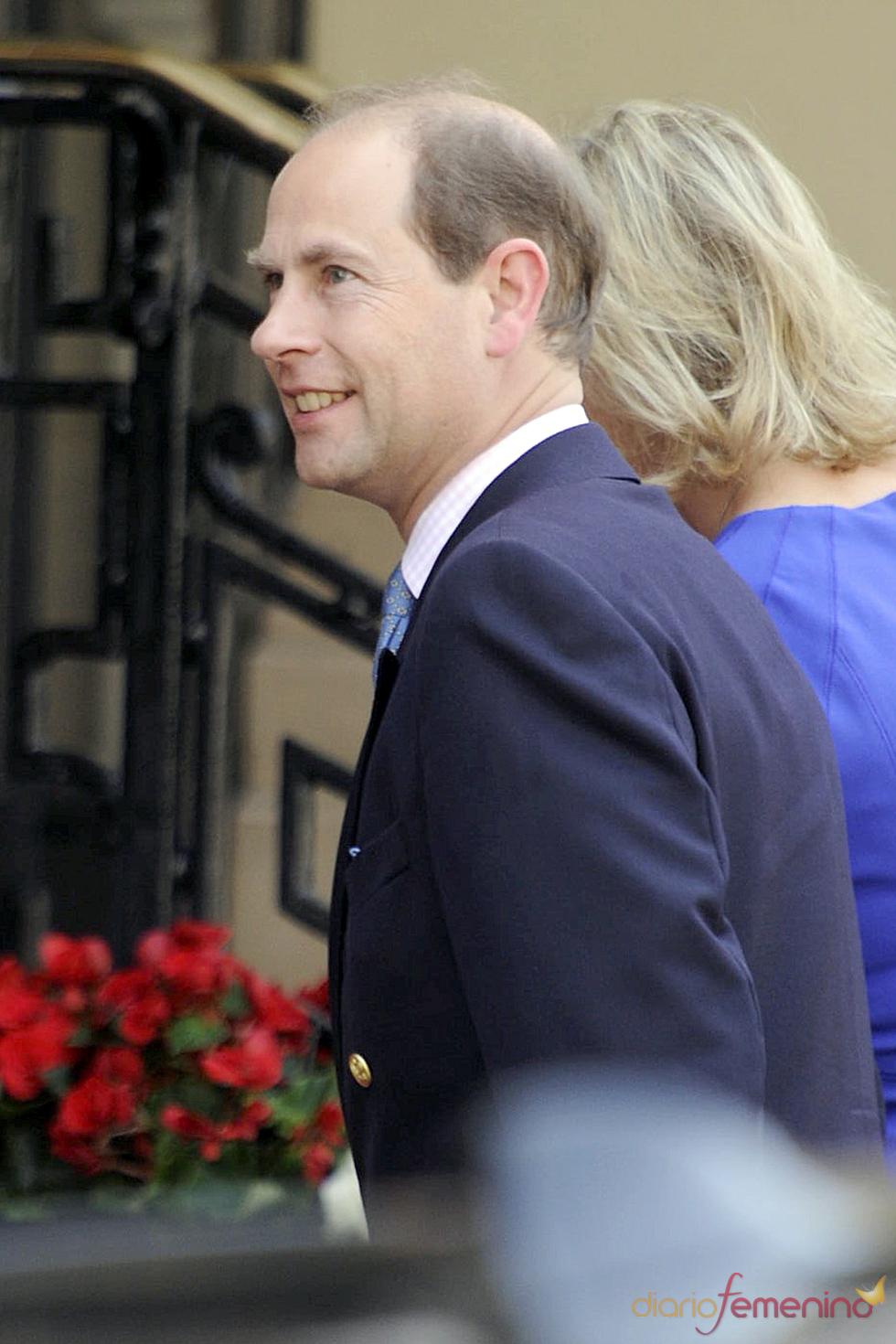 Eduardo de Inglaterra llega a Mónaco para la Boda Real