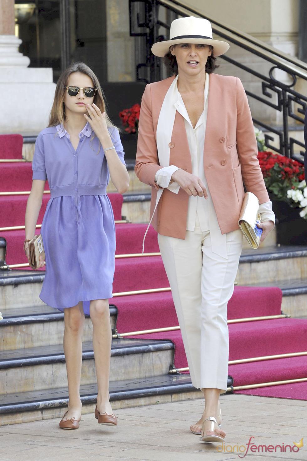 La ex-modelo francesa Inés de Fressange llega a Mónaco para la Boda Real