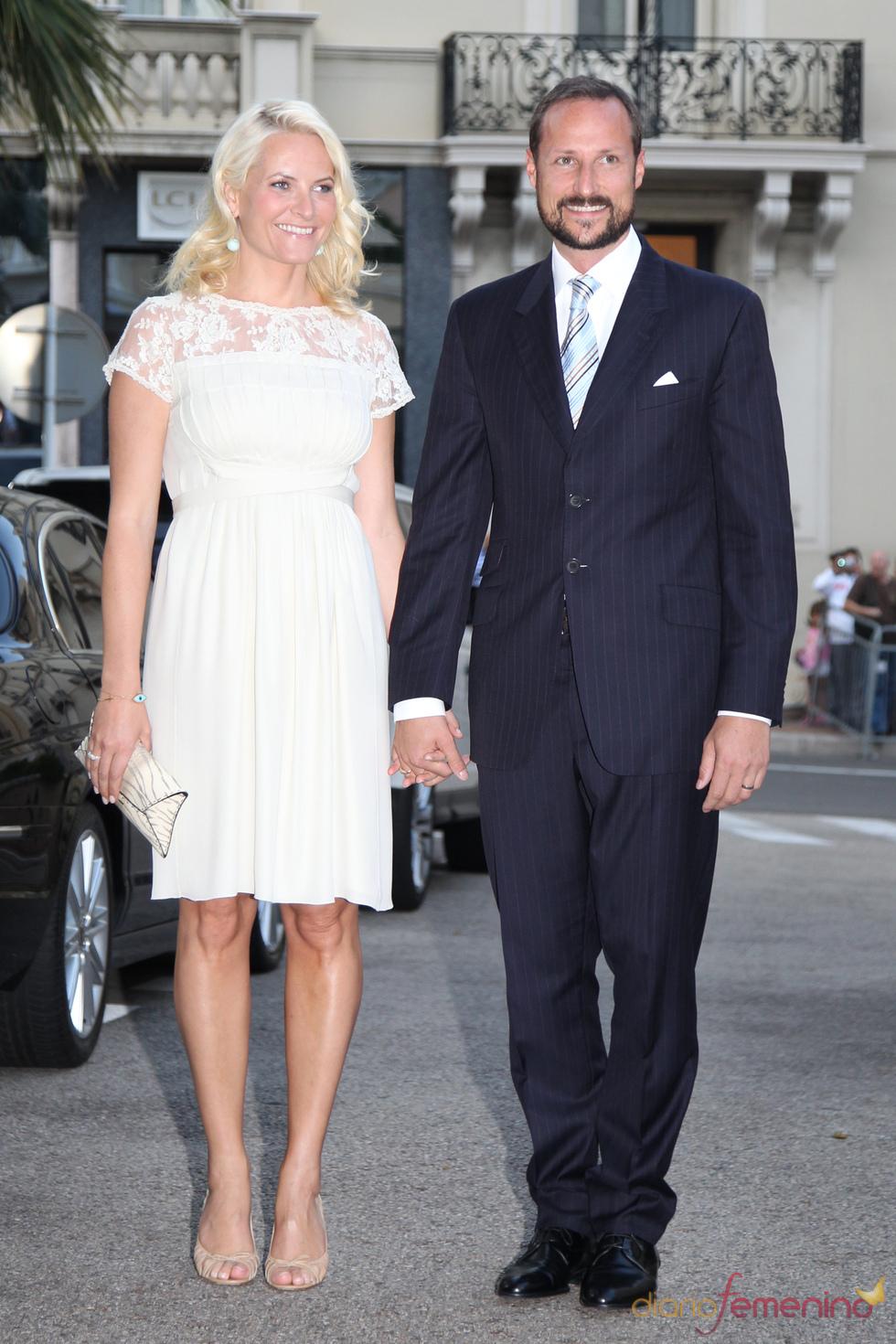 Hakoon y Mette-Marit de Noruega acuden al concierto de Jean Michel Jarre tras la Boda Real civil de Mónaco