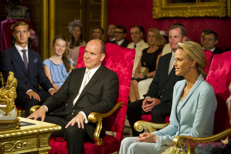 Charlene Wittstock da el 'sí quiero' a Alberto de Mónaco durante la Boda Real Civil