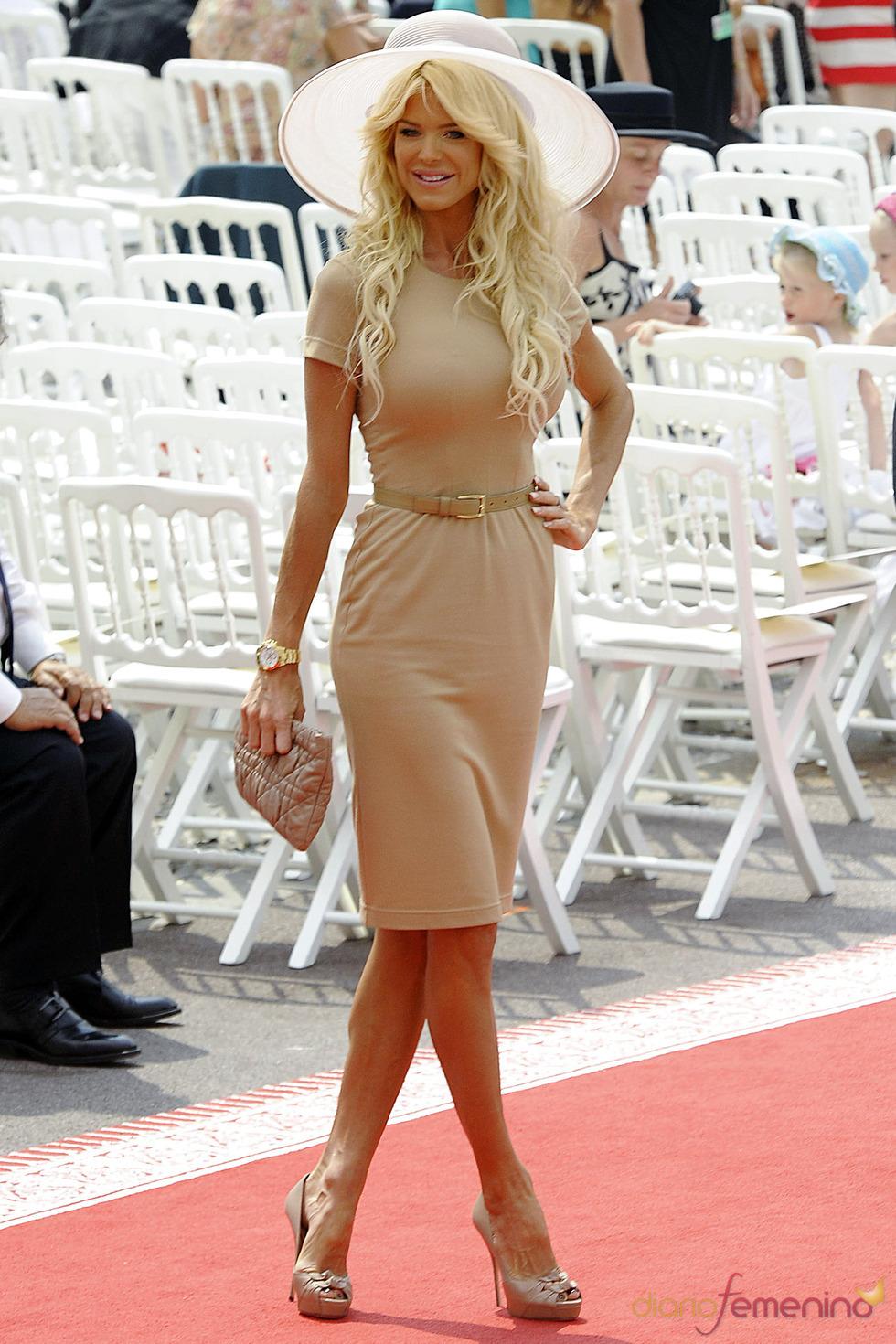 Victoria Silvstedt llega a la ceremonia religiosa de la Boda Real de Mónaco