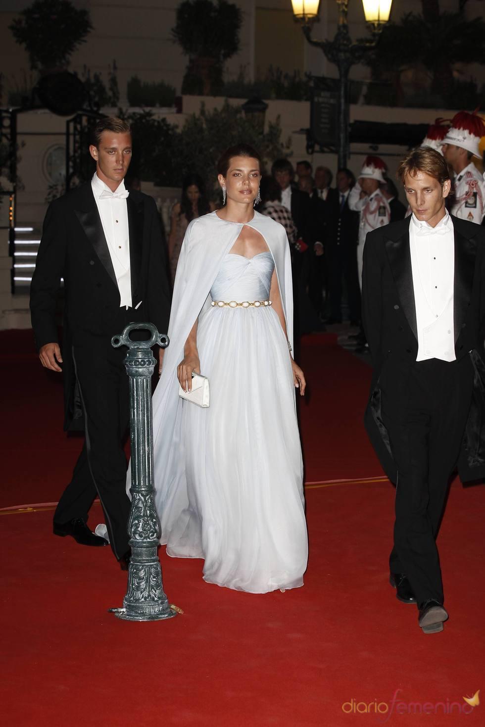 Pierre, Andrea y Carlota Casiraghi en la cena de gala de la Boda Real de Mónaco