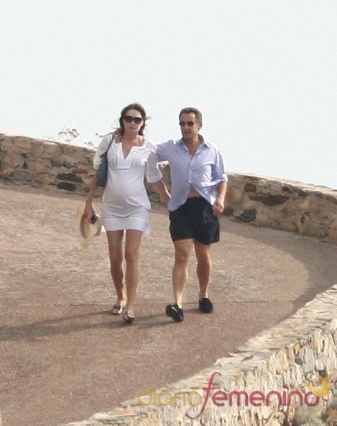 Nicolás Sarkozy y Carla Bruni de vacaciones en la costa azul