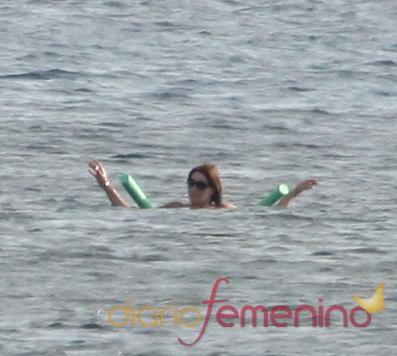Carla Bruni de vacaciones en la costa azul