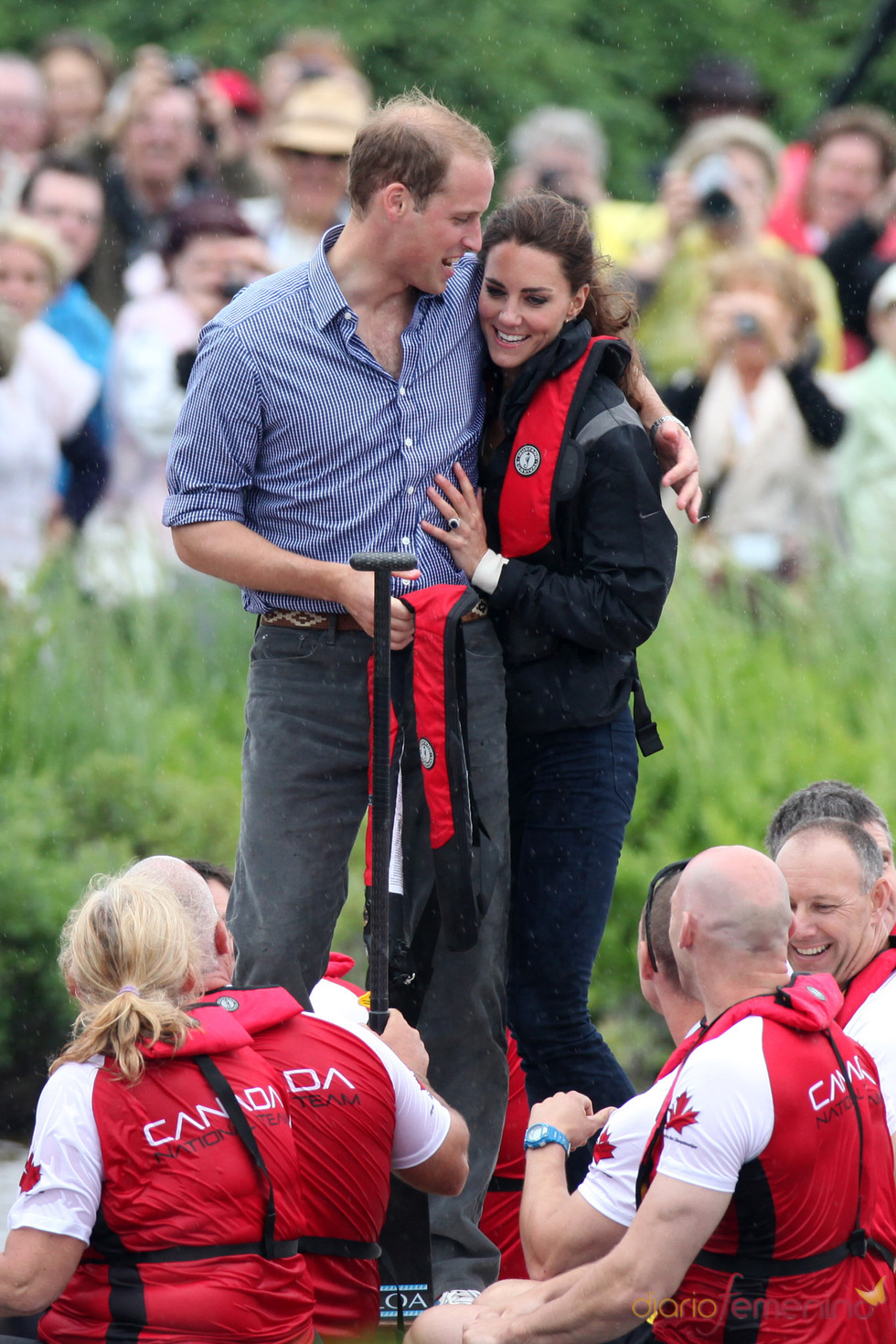 Guillermo de Inglaterra y Kate Middleton participan en una regata en Canadá