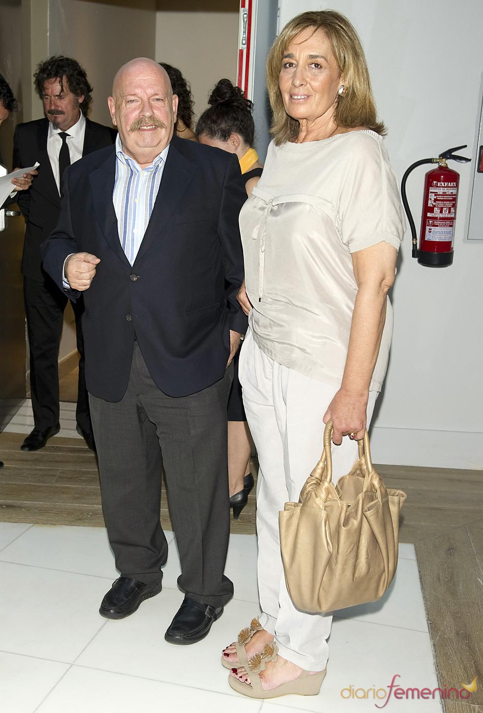 Jose María Íñigo y su mujer en los premios Estrella de Oro 2011