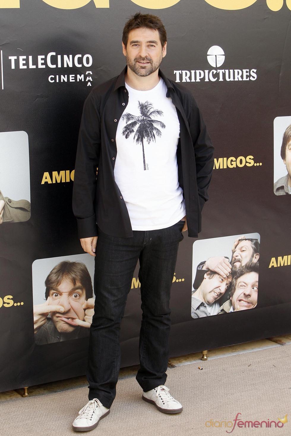 Alberto Lozano en la promoción de la película 'Amigos'