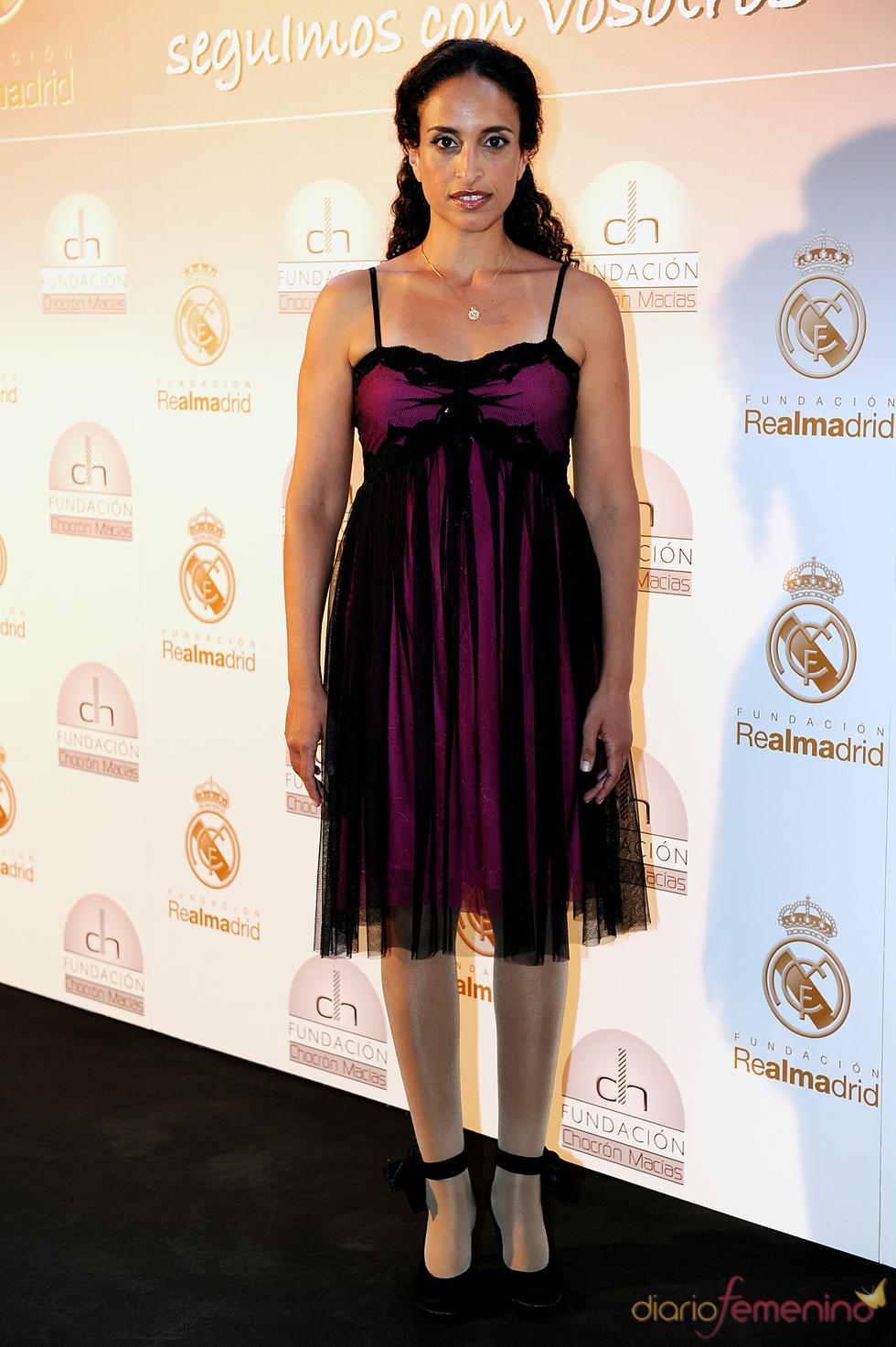 La cantante Noa durante una cena benéfica celebrada en el Bernabéu