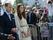 Guillermo de Inglaterra y Kate Middleton presencian un partido de hockey en Canadá