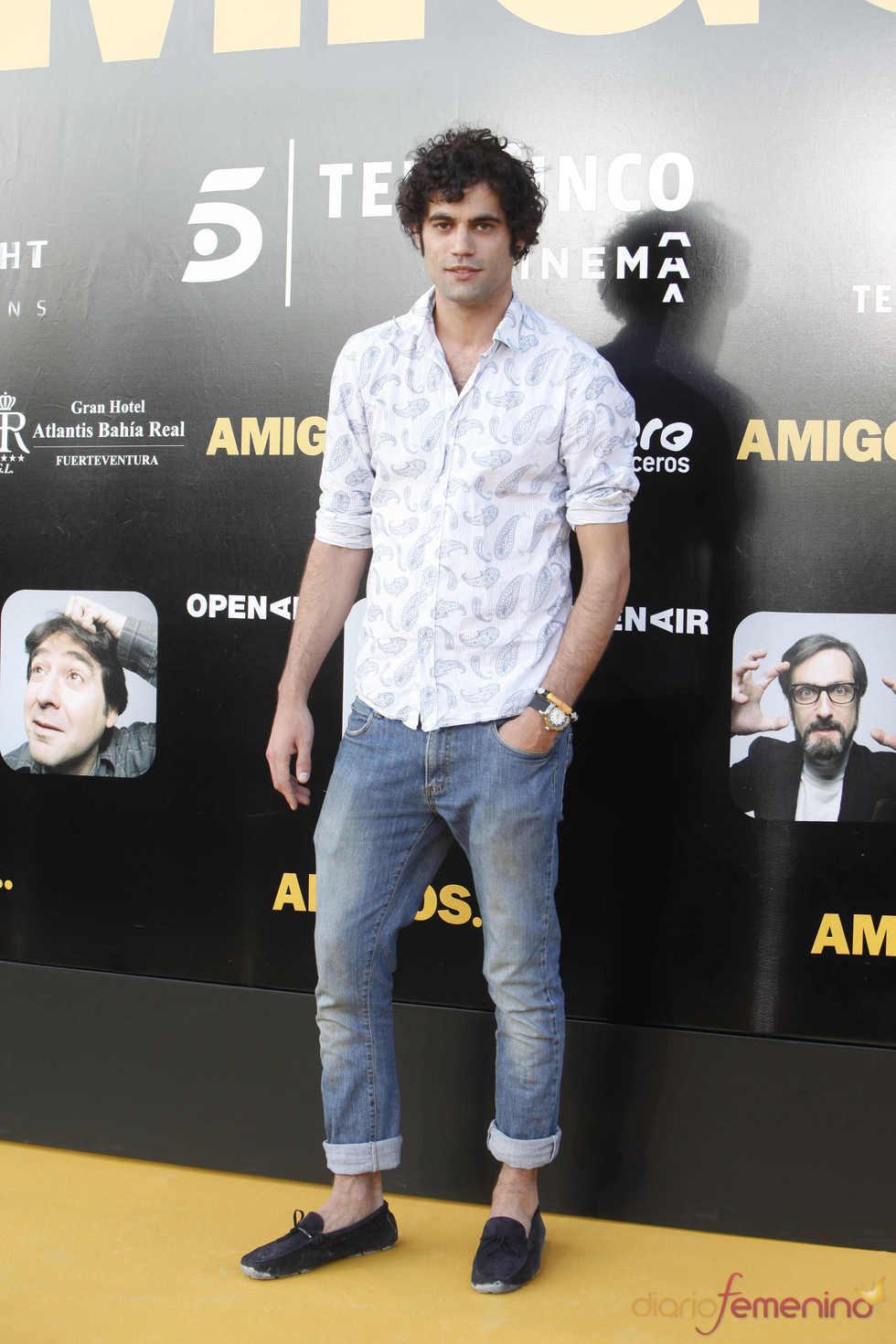 El presentador Jordi Mestre en el estreno de la película 'Amigos'