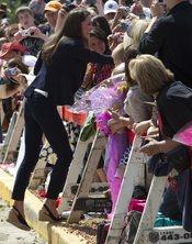 Kate Middleton aclamada por sus fans de Slave Lake, Alberta