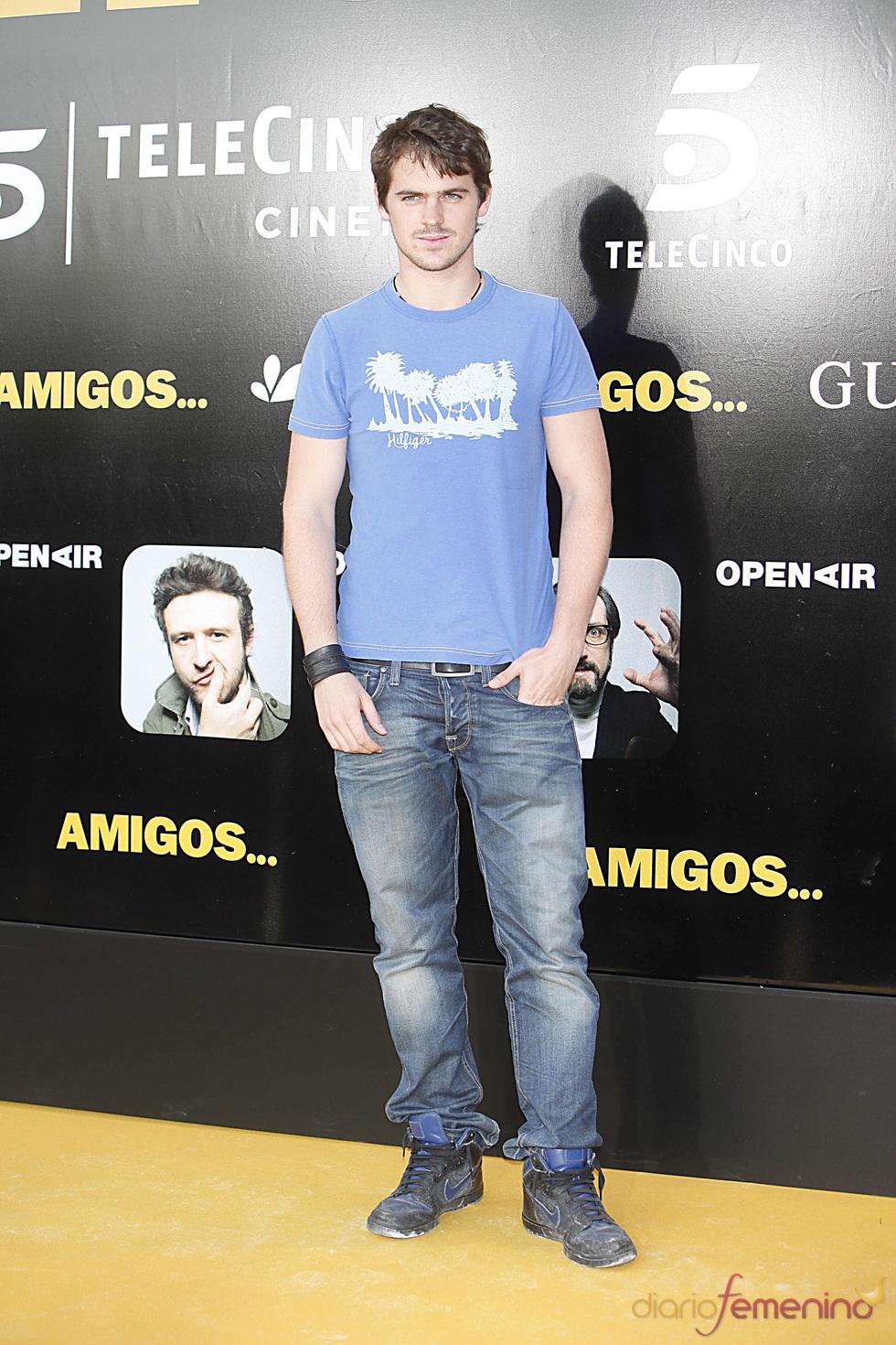 El actor Gonzalo Ramos en el estreno de la película 'Amigos'